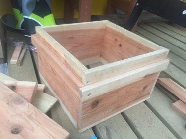 蜂の巣箱の作製